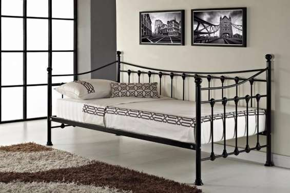 Versailles strong metal frame french day bed