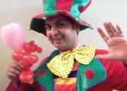 Childrens entertainer face painter balloon modeller magician clown plate spinner london