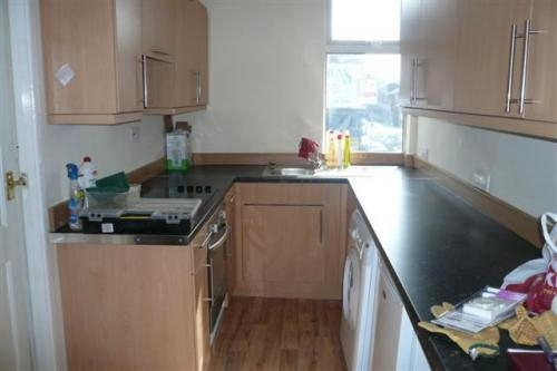 2 bed flat( knighton fields road west) leicester