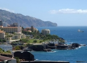 Rent of a lovely seaside self-catering holiday apartment in funchal city on madeira island