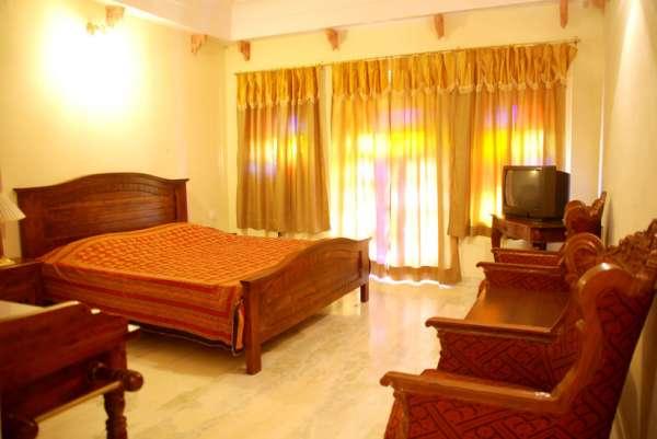 Best hotel in jaipur,best hotel in heart of pink city,best elegant jaipur heritage hotel