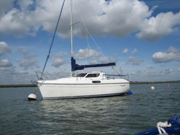 2004 europa ts 240 delphia 22, 5 berth