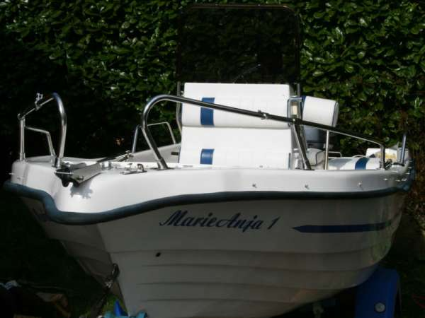 Caher475 dayboat fishing boat. v'vgc. yamaha 40hp- 18 only hrs. well equipt
