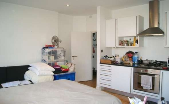 Pictures of Gorgeous and attractive studio flat to rent in hampstead high street, nw3 2