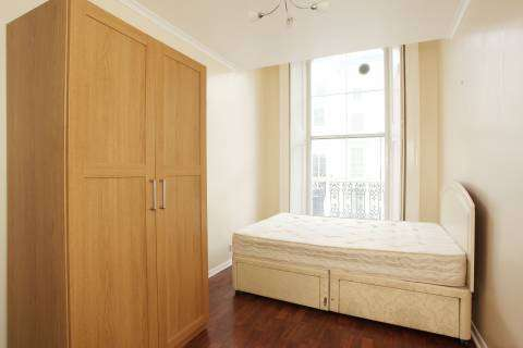 Affordable 1 bedroom flat in woodford available now for rent
