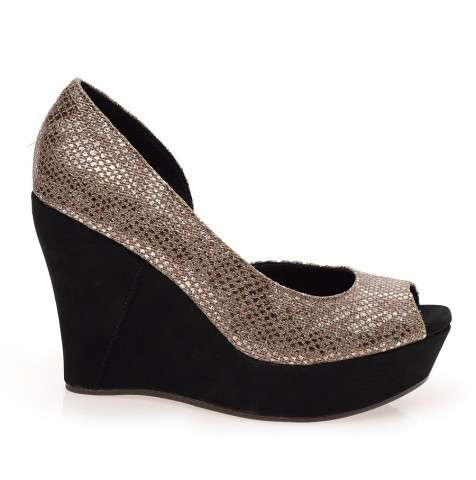 Toura wedge sandal of ugg brand just in £100 by excel clothing in the uk