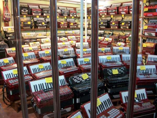 Accordions in spain ( new and used)
