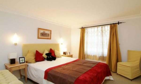 Pictures of Stylish and fully furnished studio, 1, 2 and 3 bedroom flats to rent in knightsb 3
