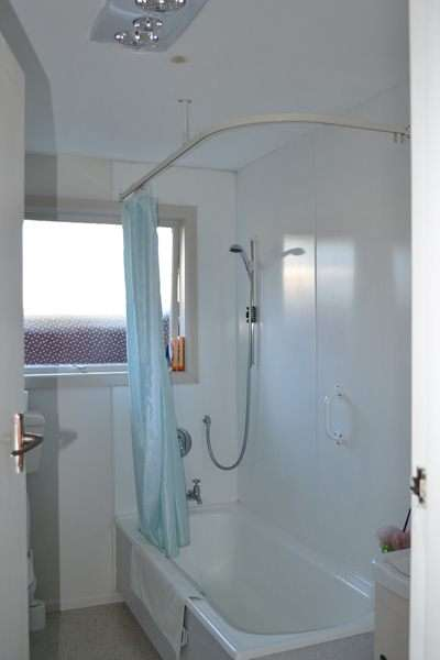 Pictures of A very spacious one bedroom flat to rent in central london 3