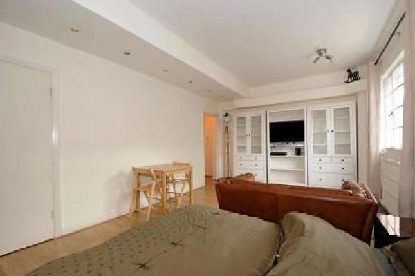 Pictures of One bedroom flat available in london 3