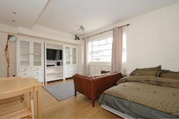 Pictures of One bedroom flat available in london 2
