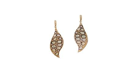 Beautiful slice diamond earring with anima