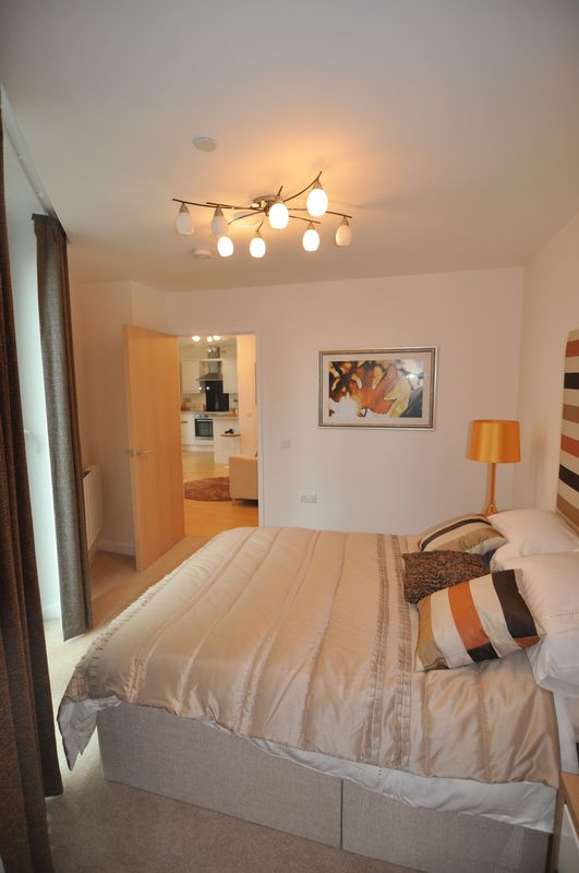 Nicely presented one bedroom, furnished flat to rent in the heart of kemptown village