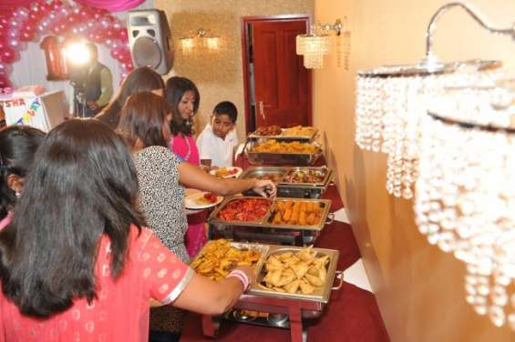 Live music indian restaurant edmonton | call @ 020 8805 9944