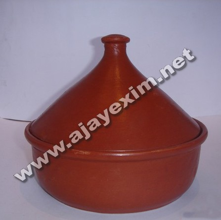 Clay chicken curry pot