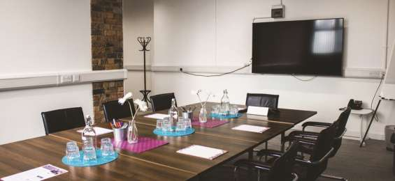 Meeting rooms and training rooms on rent