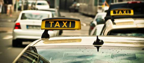 Heathrow airport taxi transfers to london